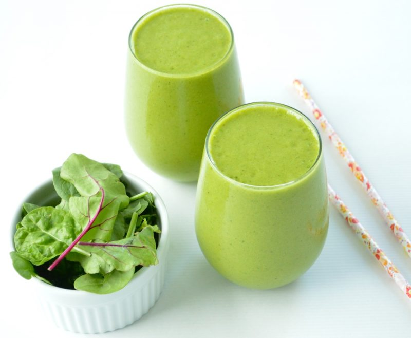 anti-inflammatory green smoothie - Lauren Schwaiger healthy living blog
