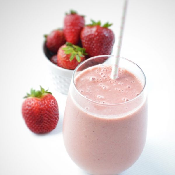 Pre-Workout Power | Strawberry-Maca Smoothie