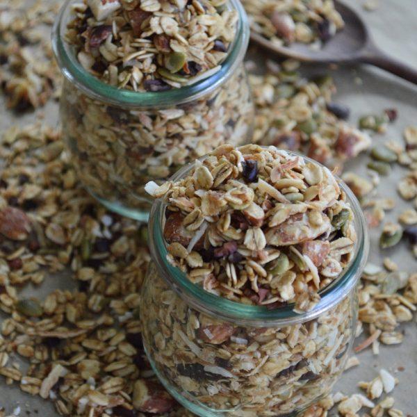 Healthy Gluten Free Granola Recipe w/ Nuts & Seeds