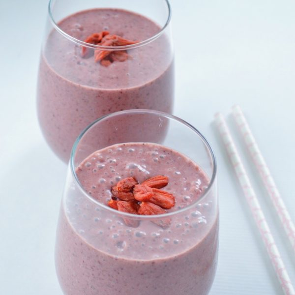 Sweet Sunday Smoothie | Coconut-Cacao Cherry Banana Bliss Smoothie