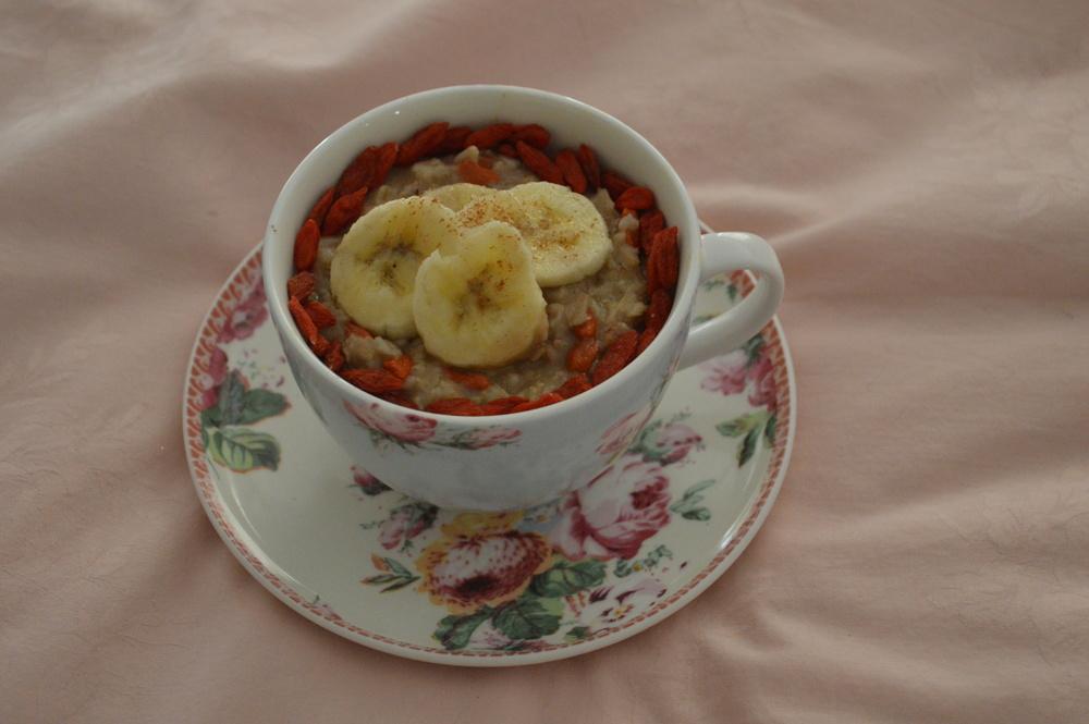 Goji Berry, Banana, Pecan Oatmeal