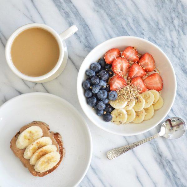 Breakfast Lately // Clean & Simple Breakfast Inspiration
