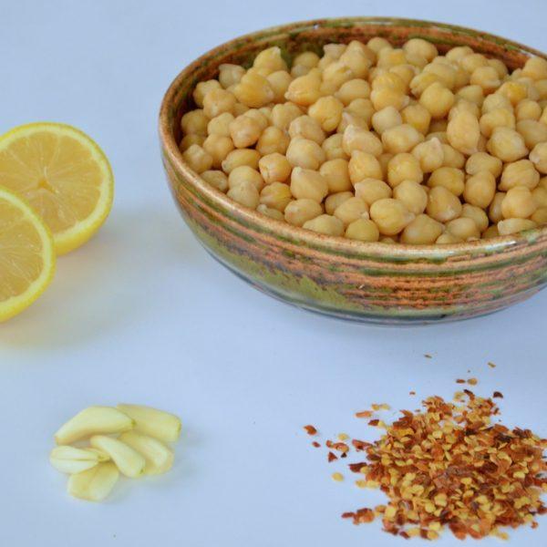 Lemony Chickpea Salad w/ Garlic & Red Pepper