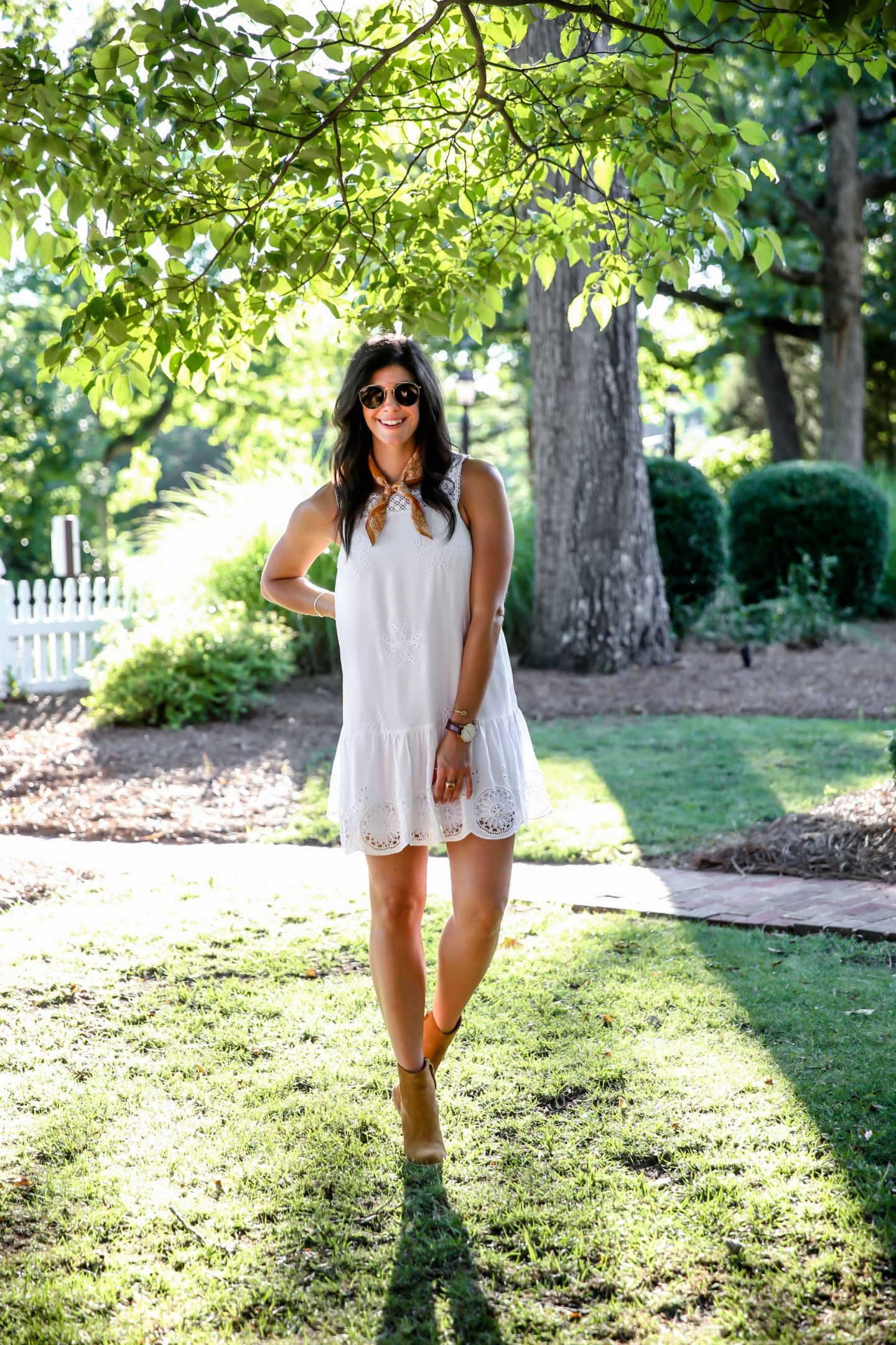 Lauren-schwaiger-little-white-dress-style-blog.jpg