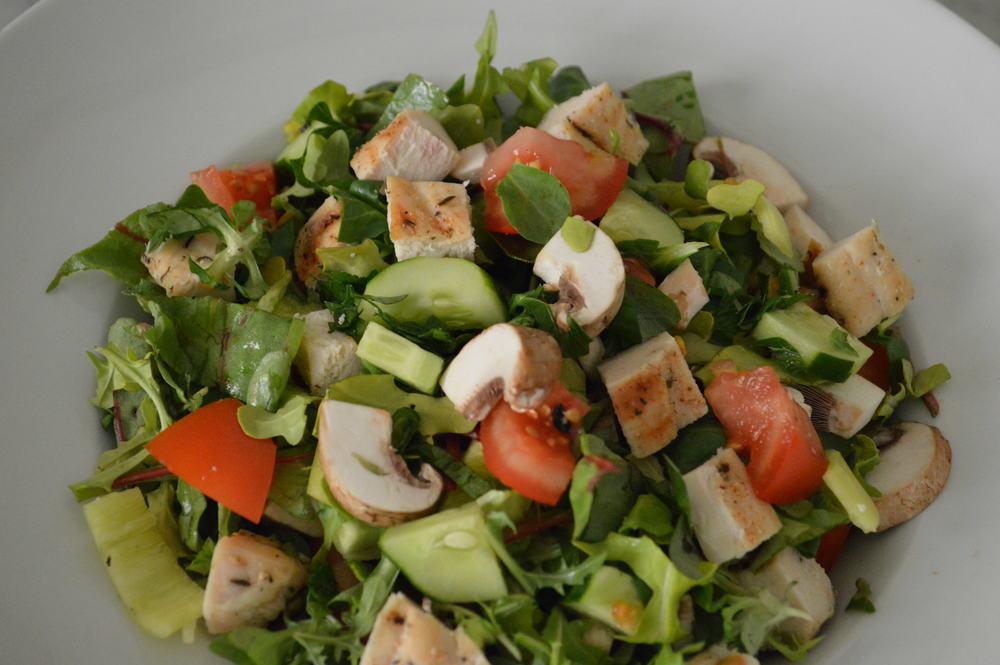 Chicken Chopped Salad - laurenschwaiger.com