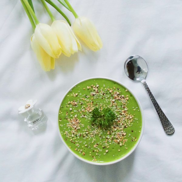 Green Detox Smoothie Bowl