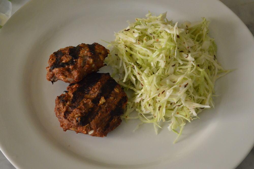 frikadellen + Kraut Salat