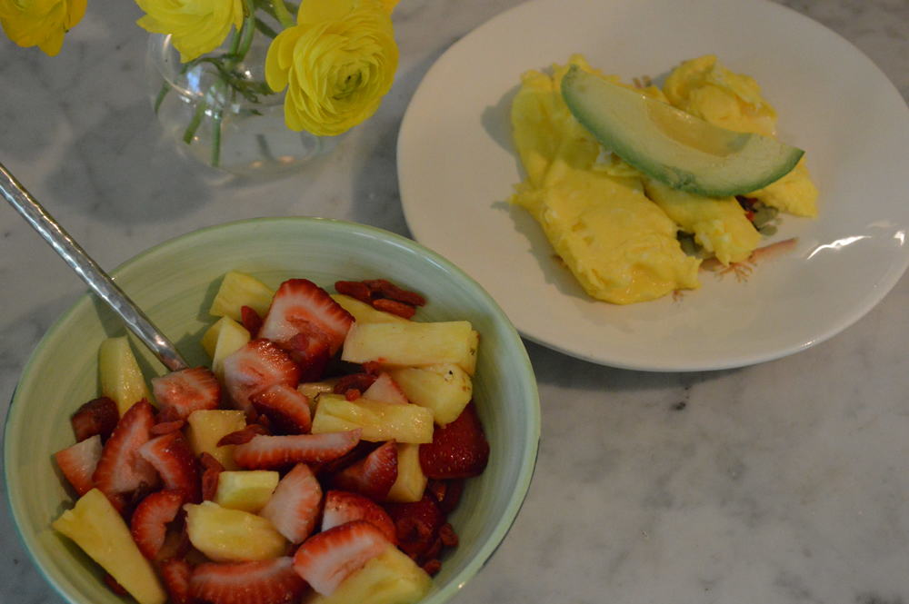 Eggs & Avo + Fruit
