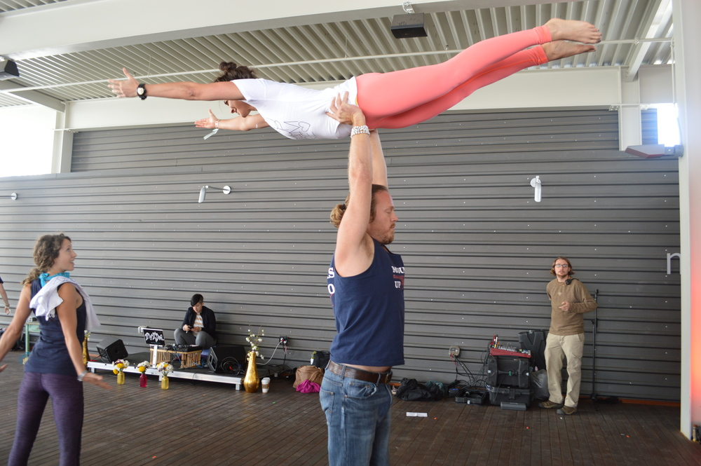 AcroYoga Lift