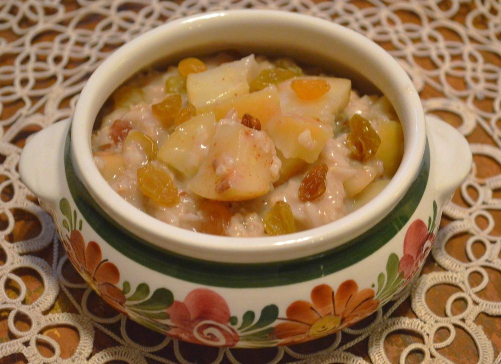 Gala Apple + Golden Raisins Oatmeal