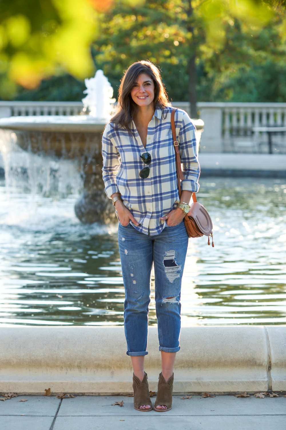 b70468f24922a9 Fall Uniform: Boyfriend Jeans + Button Down + Booties - Lauren Schwaiger