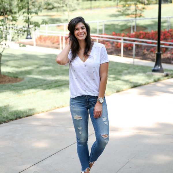 The Cutest Ripped Up Skinny Jeans + Star V-Neck Tee