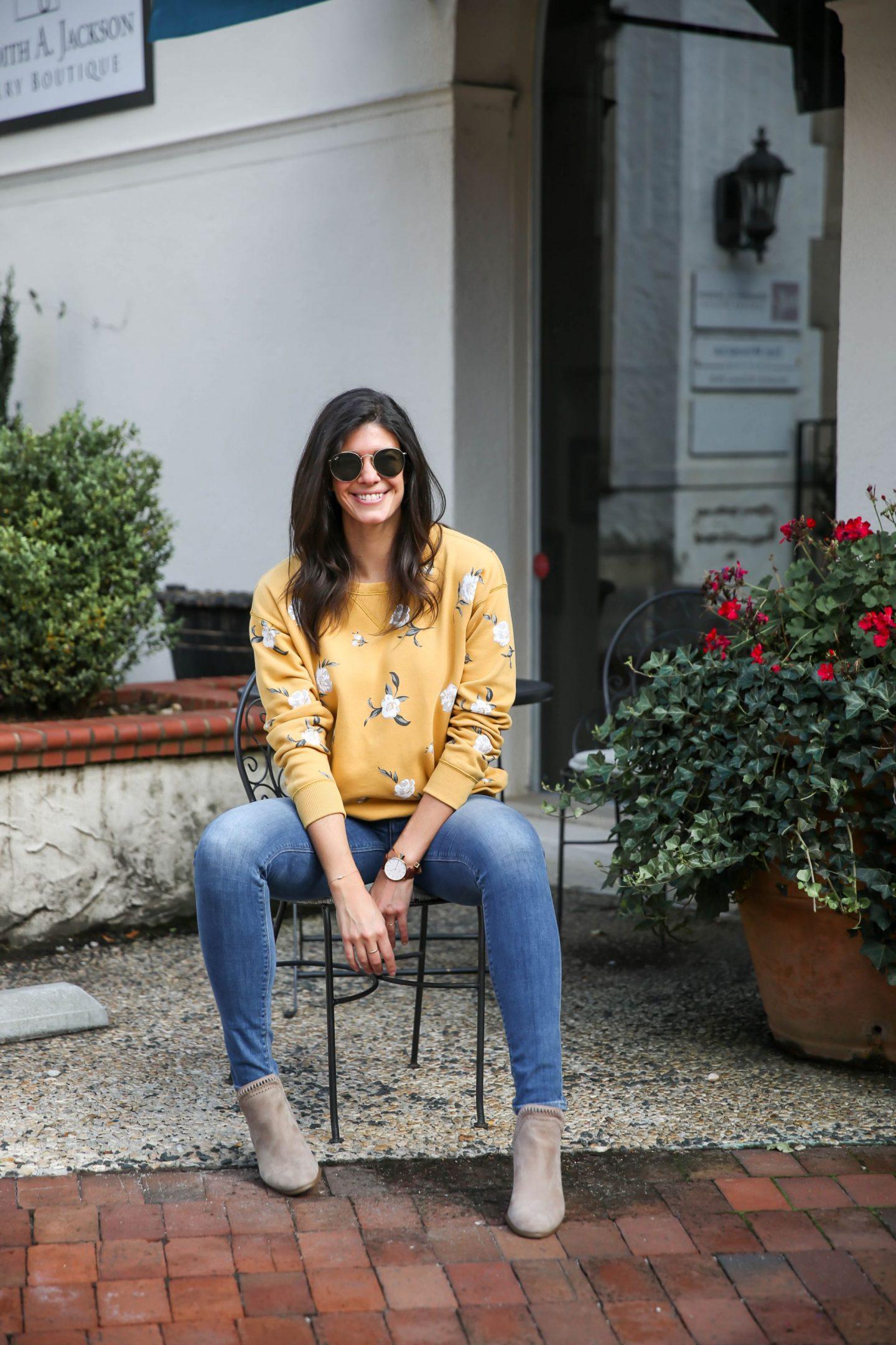 fall style - floral sweatshirt - Lauren Schwaiger