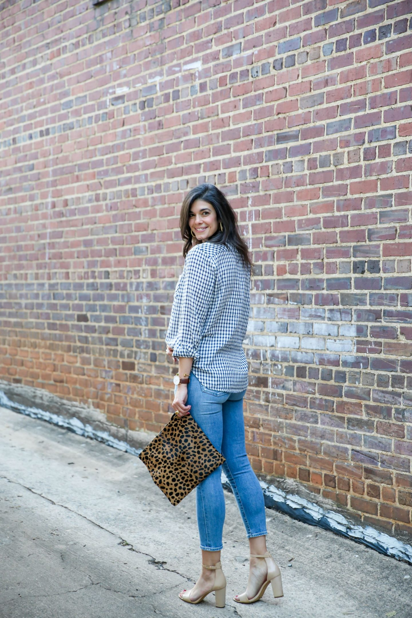 checked button down - skinny jeans - fall style - Lauren schwaiger style blogger