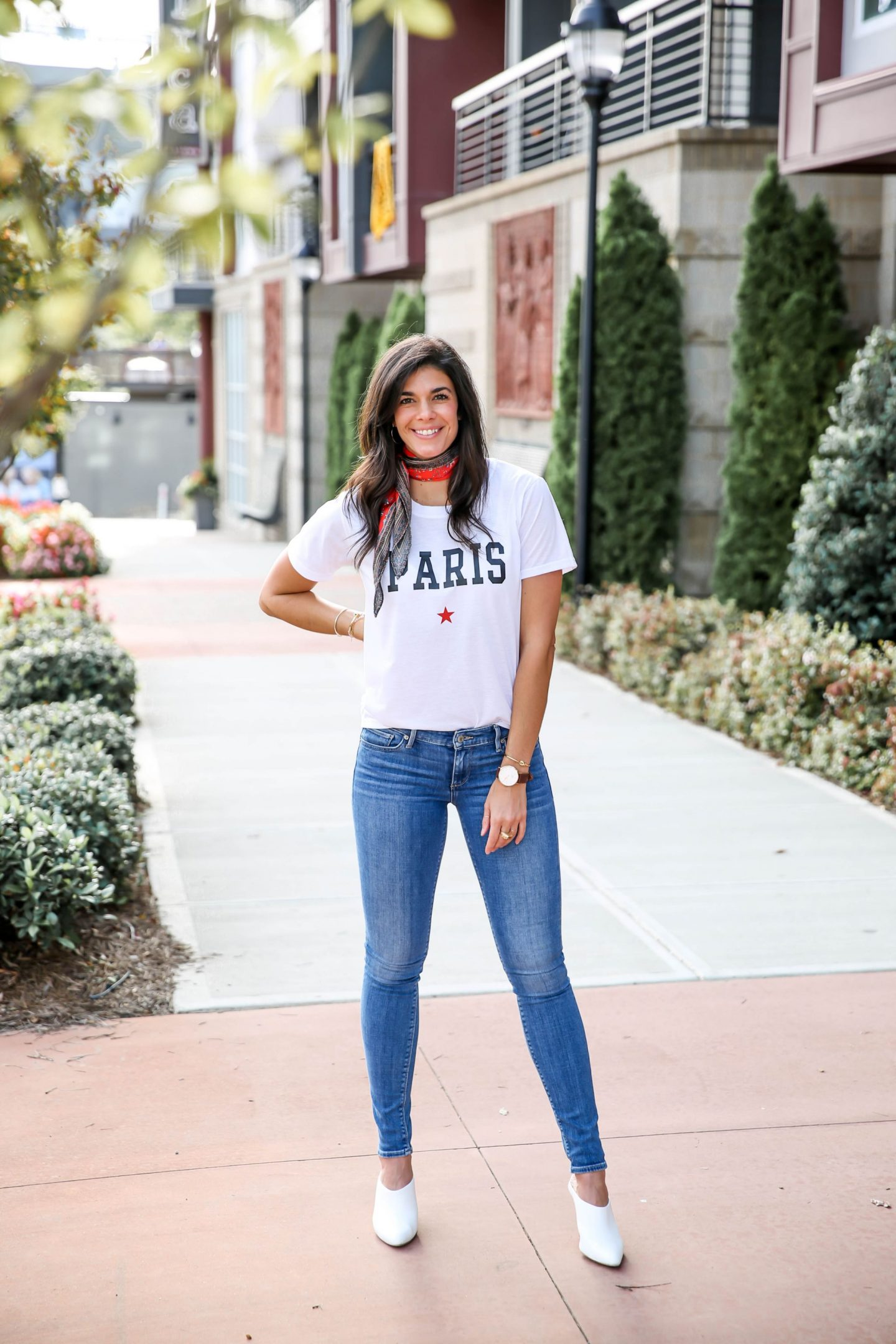 Paris graphic tee - skinny jeans - casual chic style - Lauren Schwaiger