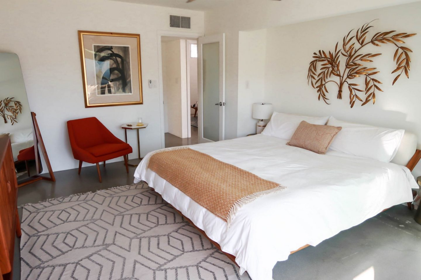 modern bedroom - Palm Springs - Lauren Schwaiger travel blog