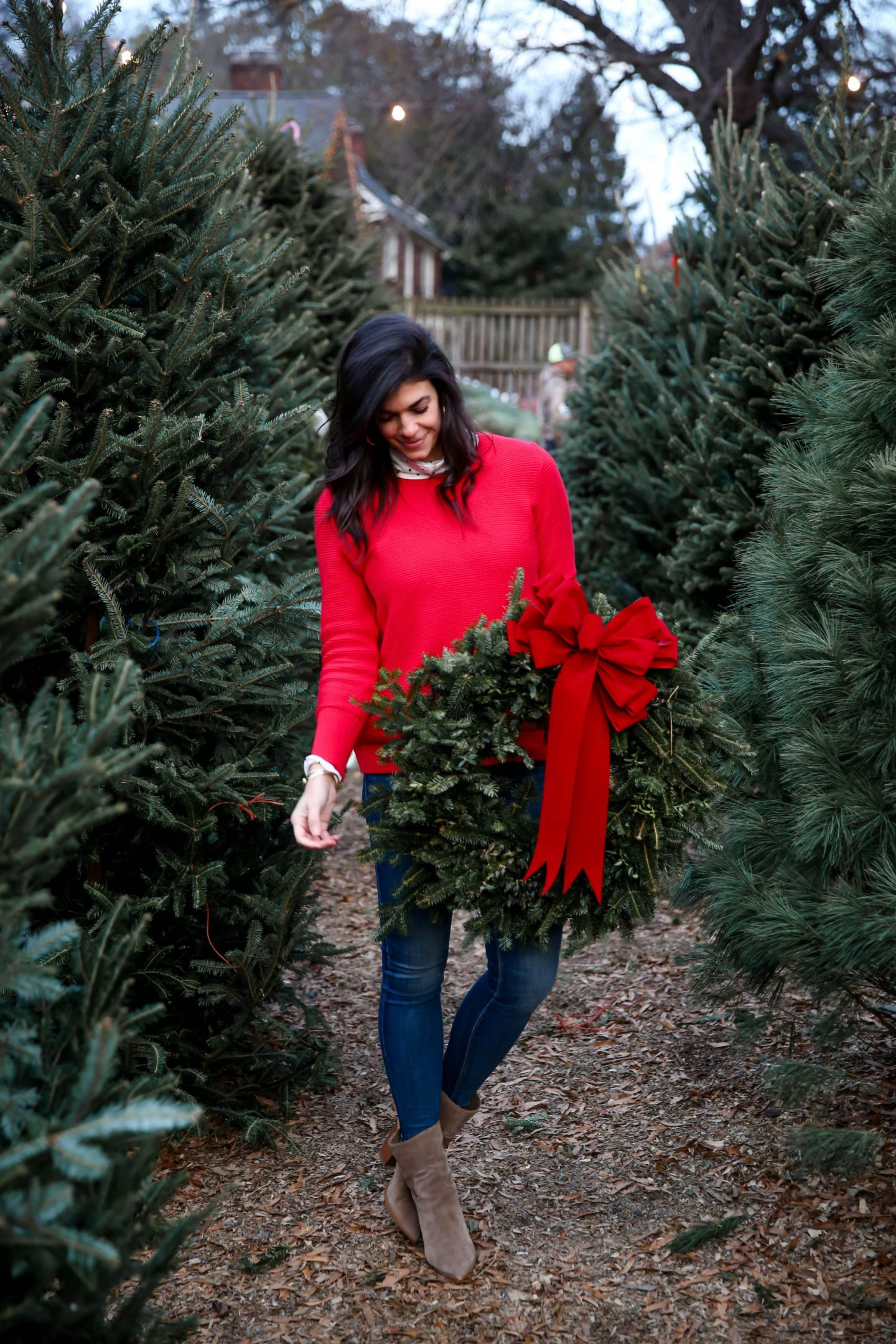 casual chic holiday style - Lauren Schwaiger Charlotte style blogger