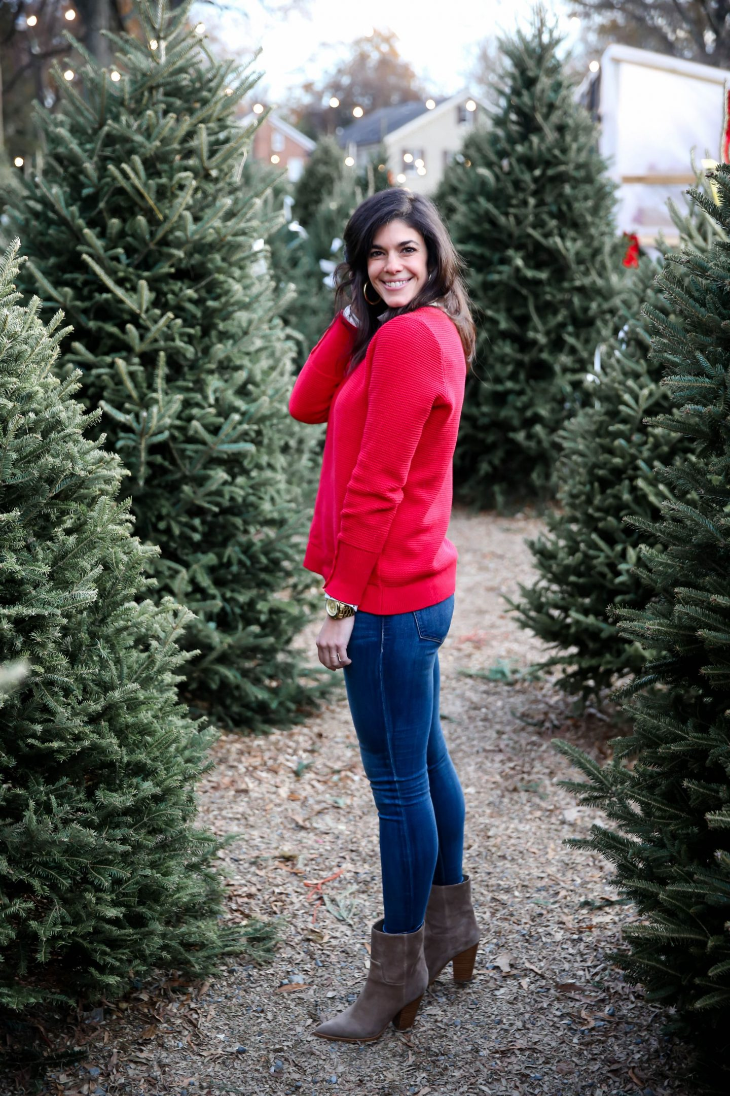 casual chic holiday style - Christmas trees - Lauren Schwaiger style blog