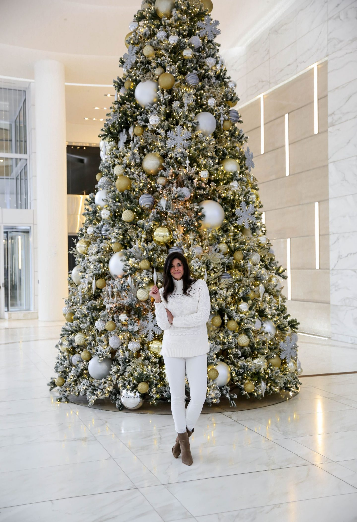 holiday chic - winter whites - Lauren Schwaiger style blog