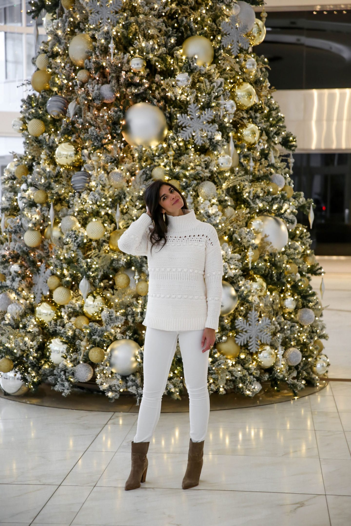 cozy chic winter whites - winter style - Lauren Schwaiger style blog