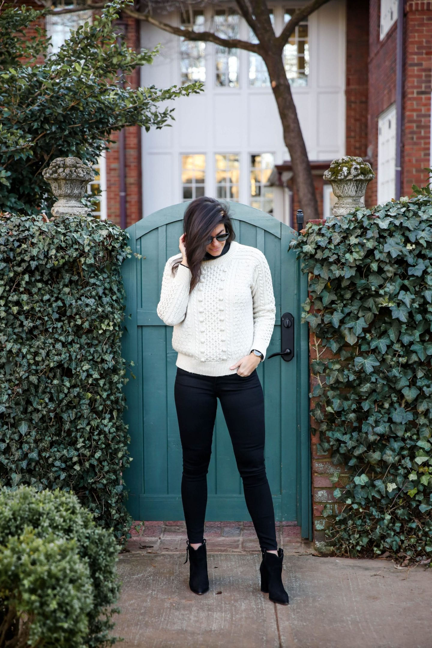 black skinny jeans + turtleneck & Sweater - Lauren Schwaiger style blog