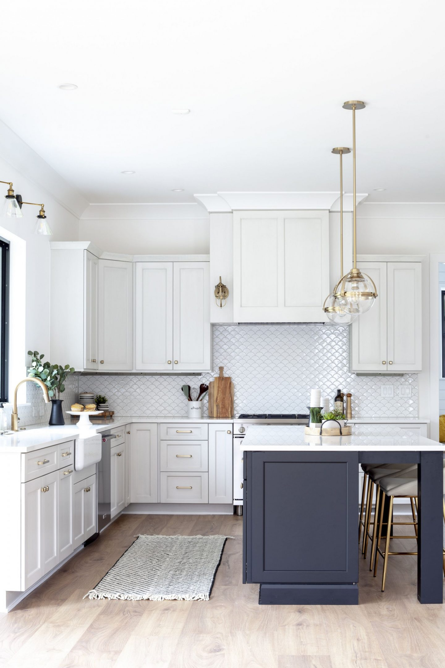 luxury kitchen - modern farmhouse - Chelsea building Group - Schwaiger Realty Group