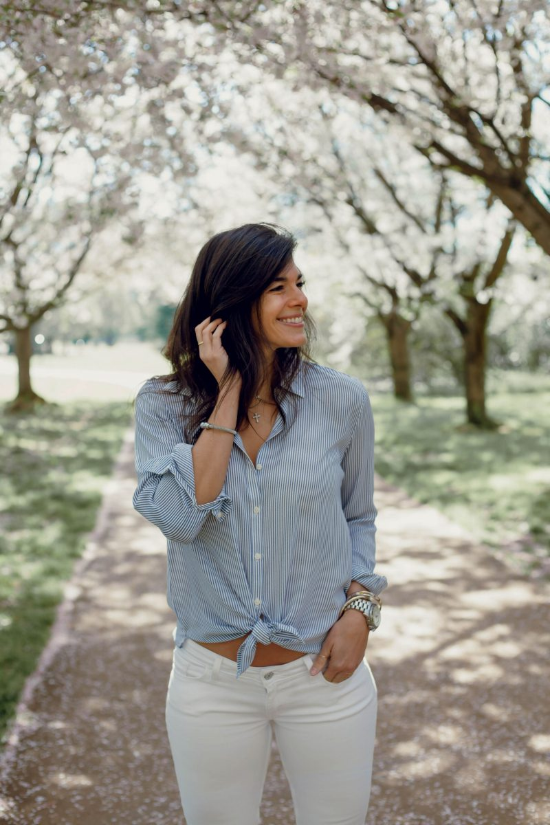 white & blue striped button down - simple style Inspiration - Lauren Schwaiger