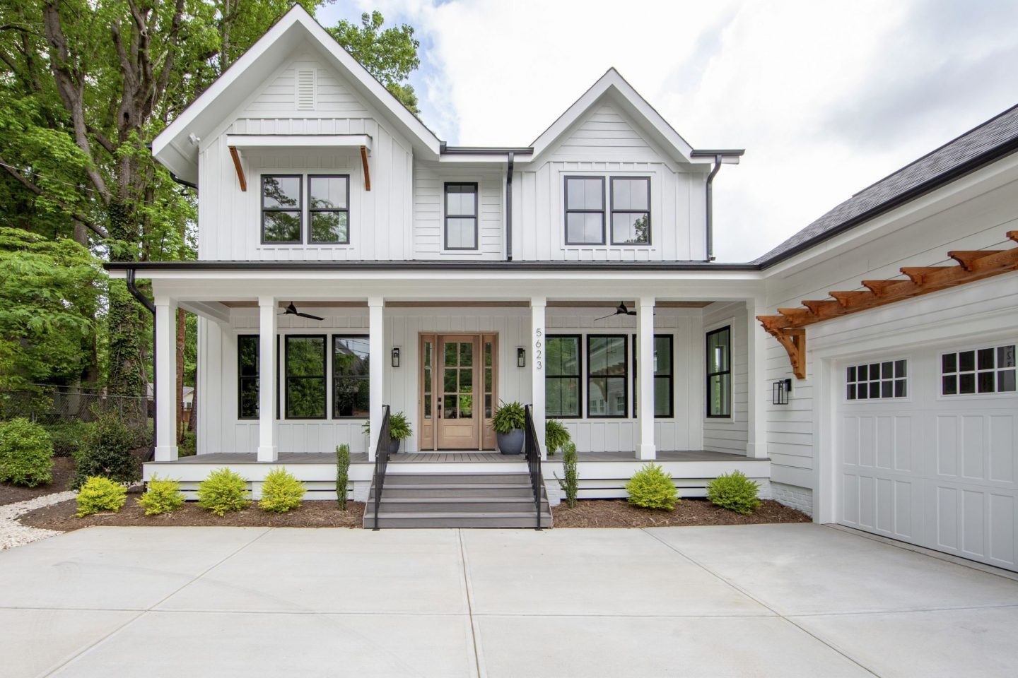 Modern Farmhouse - Custom Home - Chelsea Building Group - Charlotte, NC