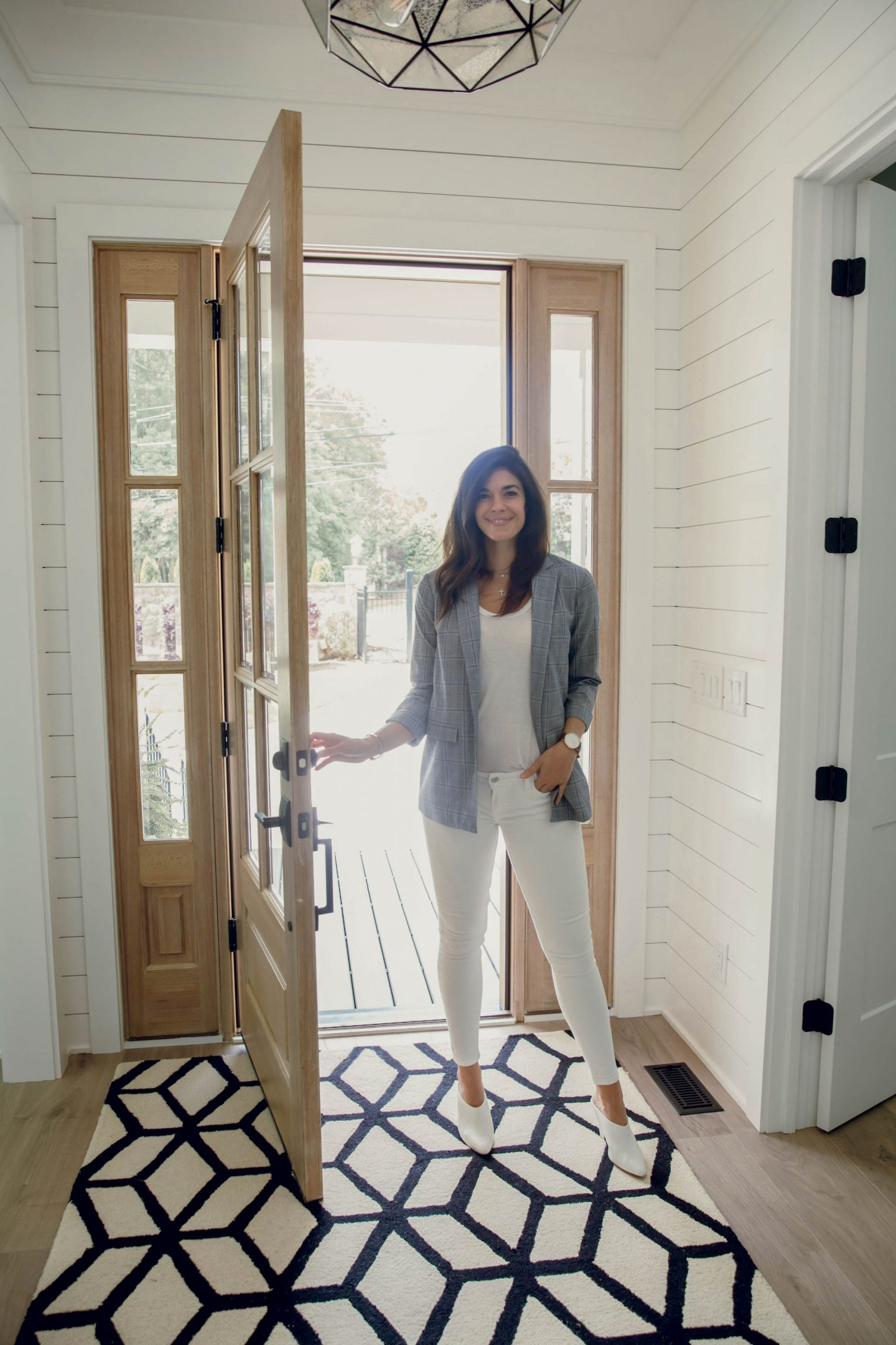 white denim - plaid blazer - luxury home - Lauren Schwaiger