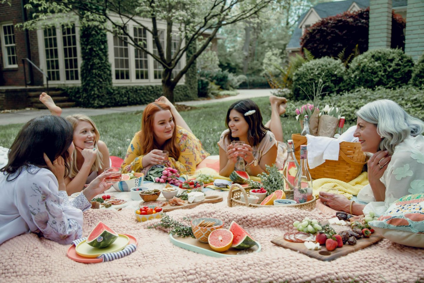 Picnic Party - Charlotte Influencers - Springtime - Lauren Schwaiger Blog