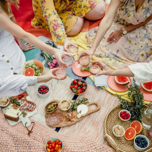 How to Host The Perfect Picnic Party