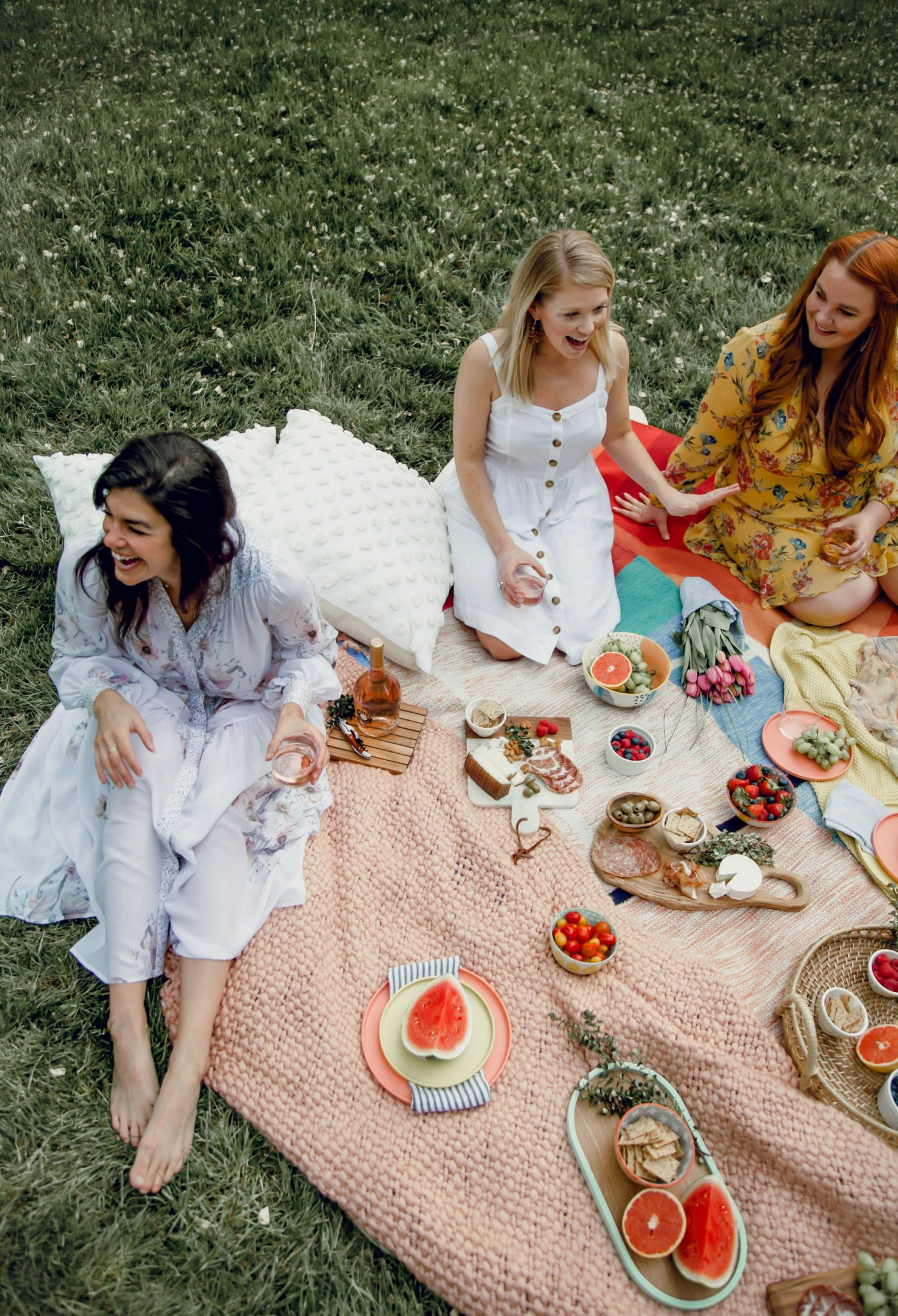 How to Host The Perfect Picnic - Lauren Schwaiger - Charlotte Lifestyle Blogger