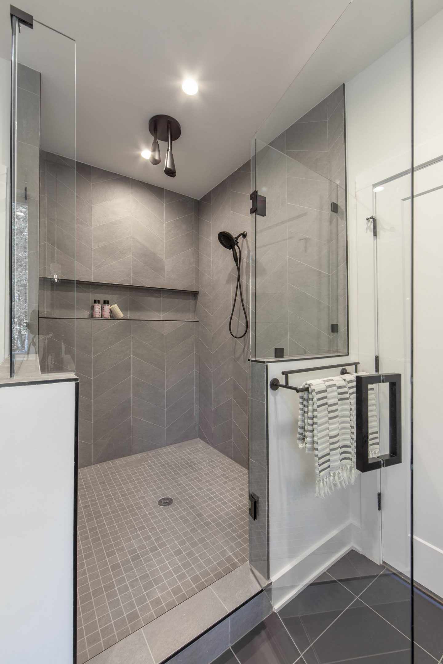 Modern Luxury Shower - Charlotte, NC - Real Estate - Schwaiger Realty Group