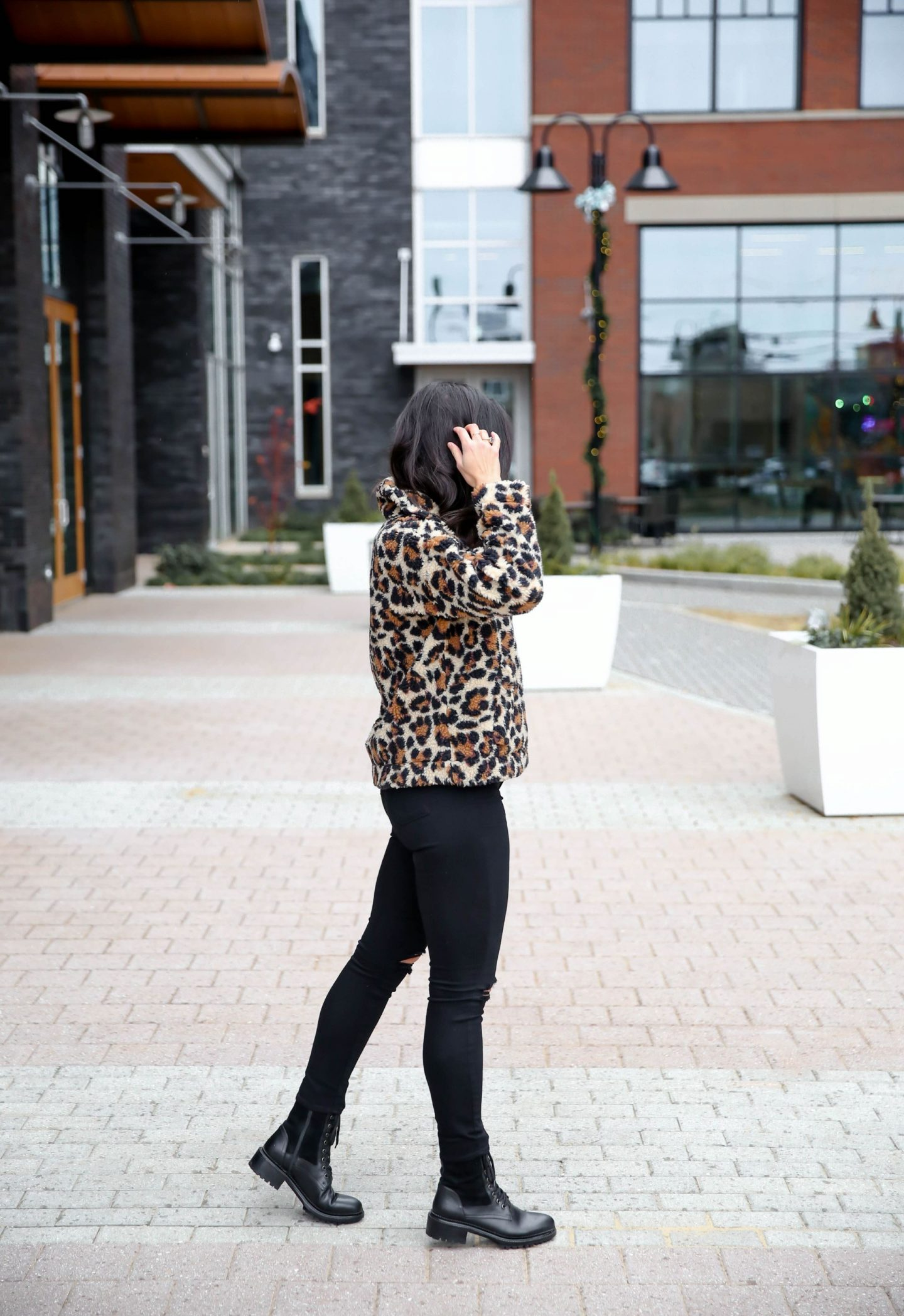 casual chic winter style - leopard print fleece