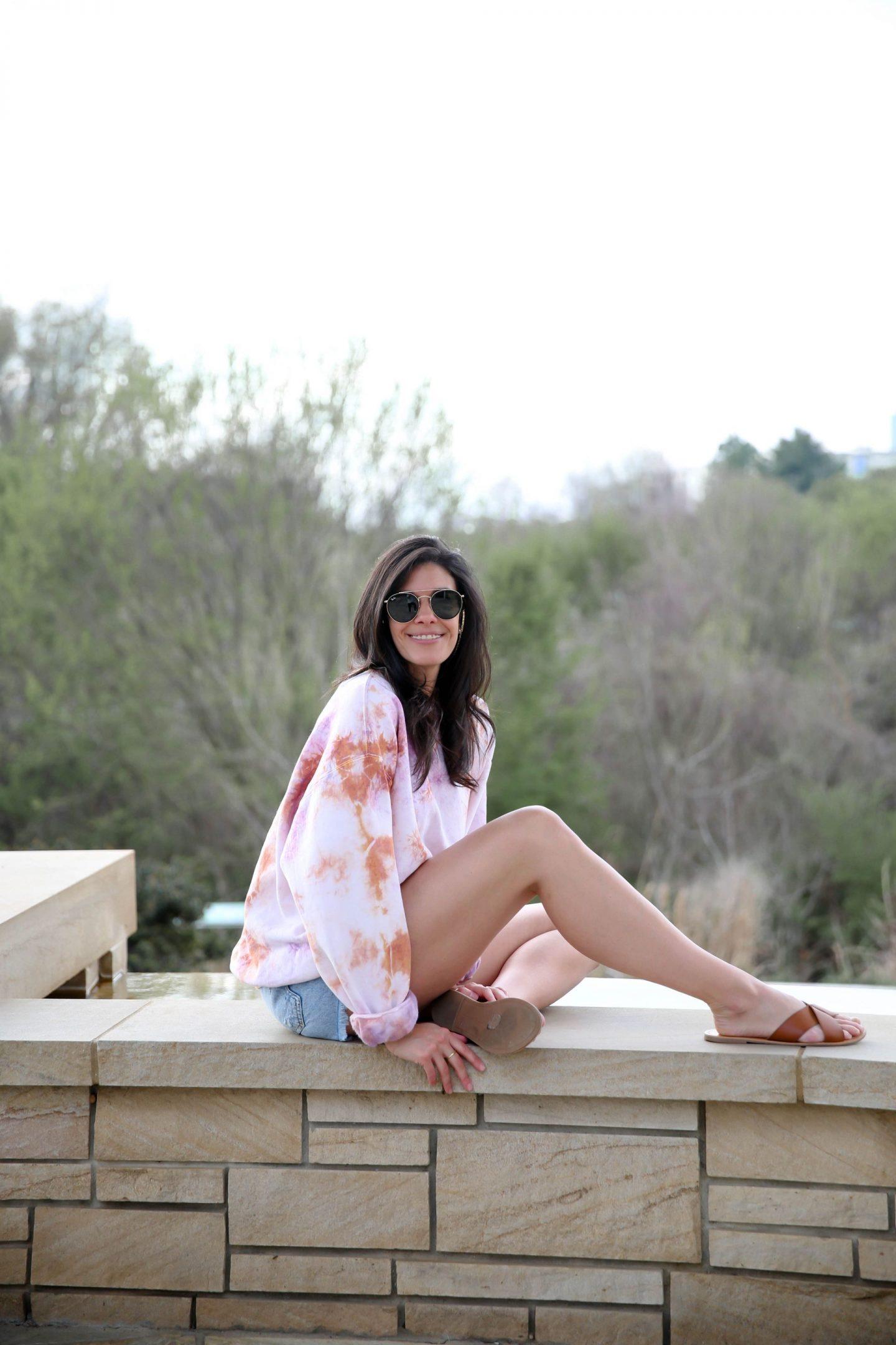 casual chic - summer style - tie dye - Lauren Schwaiger