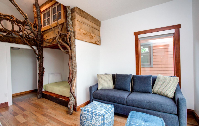 Upstream Way - Asheville, NC - Luxury Home Rentals