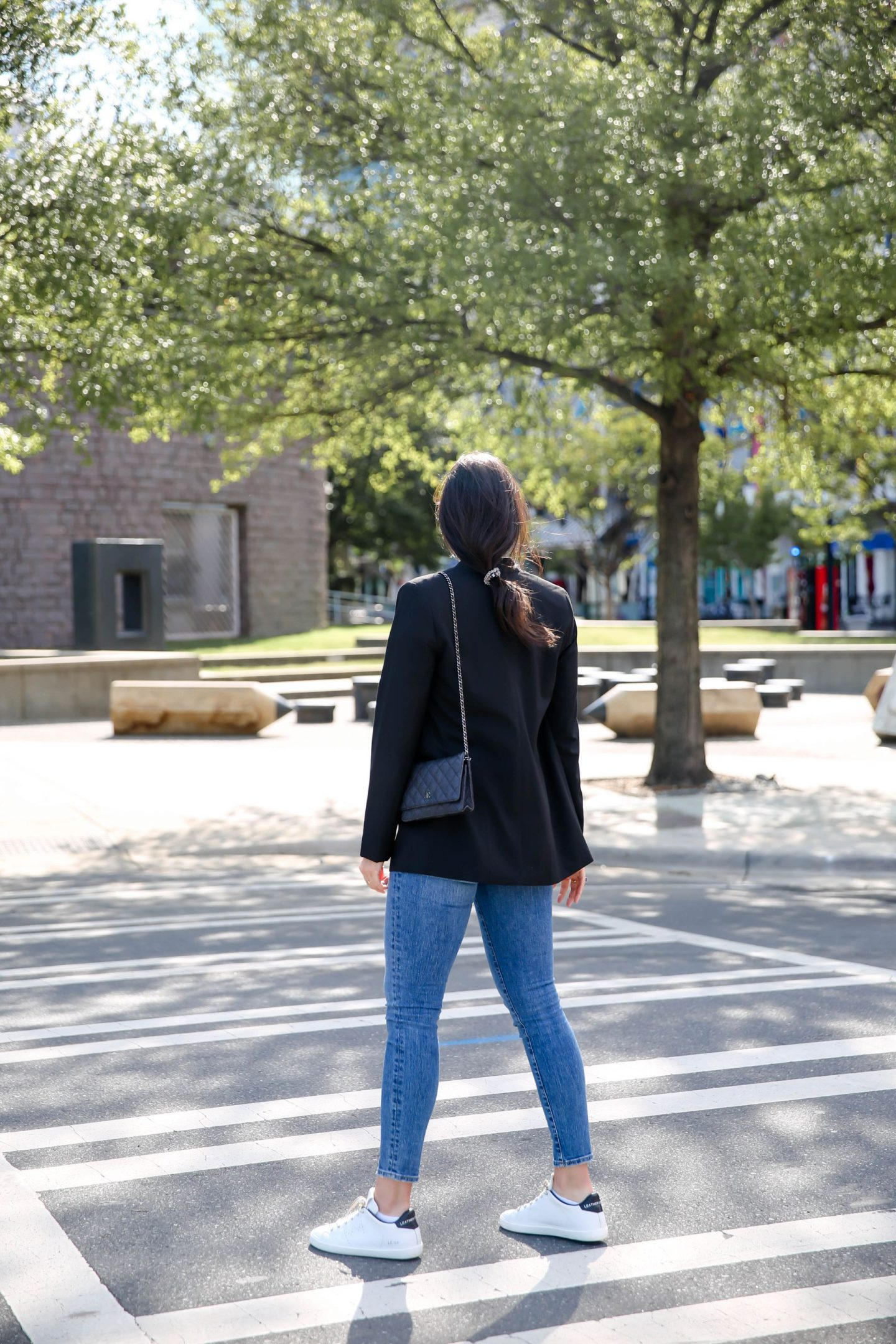 casual workwear inspiration - skinny jeans & Blazer - Lauren Schwaiger