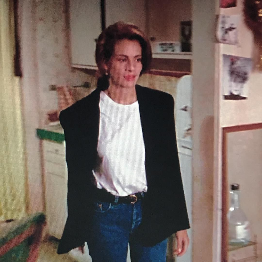 Julia Roberts - Pretty Woman - White Tee - Black Blazer